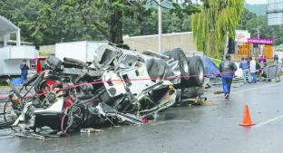Tráiler sin frenos deja una muerta y siete vehículos destruidos, en Ocoyoacac. Noticias en tiempo real