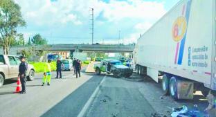Chofer del DIF muere tras aparatoso accidente en carretera Toluca-Atlacomulco. Noticias en tiempo real