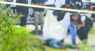 Encuentran muerto a joven en un terreno baldío, en Tultepec. Noticias en tiempo real