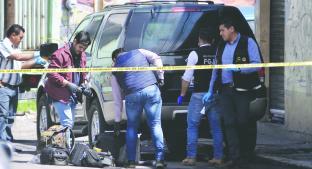 Abandonan camioneta con tres cadáveres adentro cerca de la FGJEM, en Toluca. Noticias en tiempo real