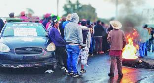 Artesanos protestan por decomiso de pirotecnia, en Almoloya de Juárez . Noticias en tiempo real