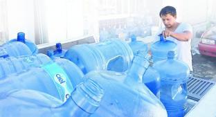 Distribuidores de agua aumentan ganancias tras el corte del suministro. Noticias en tiempo real