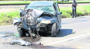Automovilista falleció tras impactarse contra un árbol en la Toluca-Atlacomulco. Noticias en tiempo real