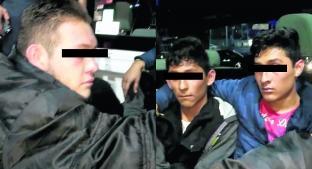 Los detienen tras asaltar y golpear a taxista, en Queréatro . Noticias en tiempo real