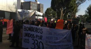 VIDEO: Bomberos bloquean estos puntos de la CDMX en protesta por adeudo. Noticias en tiempo real