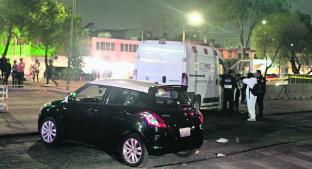 Motosicarios desatan persecución y dan dos tiros a la cabeza a conductor, en CDMX. Noticias en tiempo real