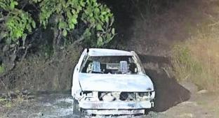 Incendian automóvil con cuerpo adentro, en Morelos. Noticias en tiempo real