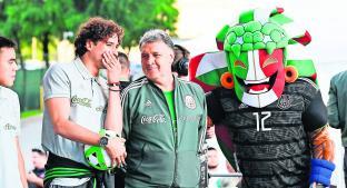 El Tri confía en su futbol pero preocupan las bajas en la era de Martino. Noticias en tiempo real