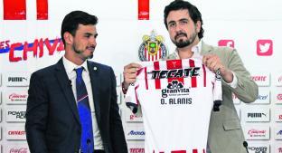 Amaury Vergara promete regresar a Chivas a la cima y presenta su primer refuerzo. Noticias en tiempo real