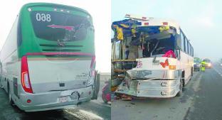 Dos camiones chocaron por alcance debido al clima en la autopista Bicentenario, Edomex. Noticias en tiempo real