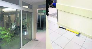 Hombre armado con un hacha destroza una sala de emergencias en Argentina . Noticias en tiempo real