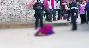 Asesinan a mujer cerca de un mercado en Edomex; investigarán el caso como feminicidio . Noticias en tiempo real