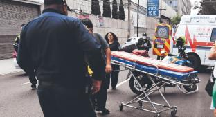 Motociclista derrapa, cae y se da fregadazo contra el asfalto, en calles de la CDMX . Noticias en tiempo real