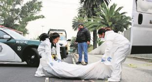 Automovilista embiste a hombre cerca del metro La Raza, nadie logró reconocerlo . Noticias en tiempo real