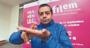 Interpreta cuentos con lenguaje de señas, en la Feria Internacional del Libro del Edomex. Noticias en tiempo real