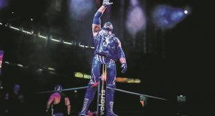 Blue Panther Jr. cumple seis años con ese nombre, lo celebra en el torneo de 'Leyenda Azul'