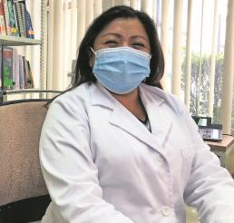 Yazmín Julián es doctora de profesión y maestra por vocación en el sector salud del Edomex