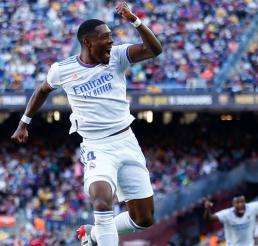 Real Madrid se lleva el Clásico Español, tras vencer al Barcelona