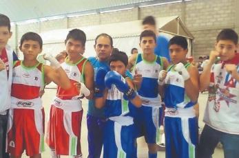 Mánager doméstico, Rodolfo 'Diablo' Contreras guía a sus hijos en casa y sobre el ring