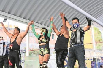 Valkiria advierte que será una de las mejores luchadoras rudas de Morelos
