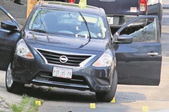 Comando dispara contra hombre afuera de restaurante y logra sobrevivir en Morelos