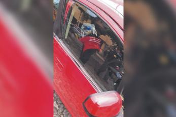 Hallan muerta a mamá dentro de auto en el que trabajaba, mantenía hasta al esposo en Xochimilco