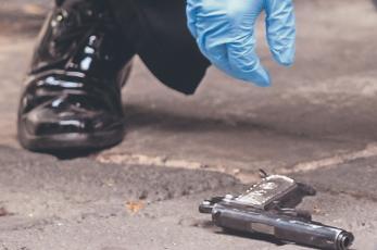 Asaltante que terminó baleado se iba a llevar una bolsa con dos trozos de tela, en la CDMX