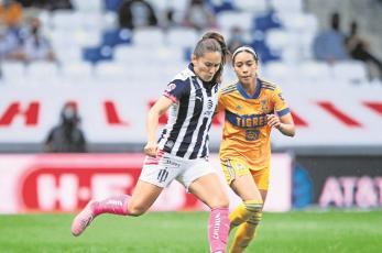 Tigres empata de último minuto ante Rayadas en un intenso partido en el futbol femenil