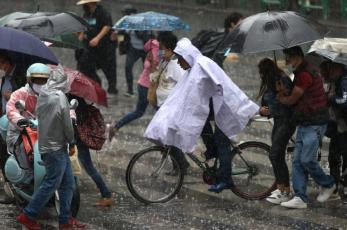 ¡No para de llover! Ni parará, el pronóstico del clima para este lunes y martes en Valle de México