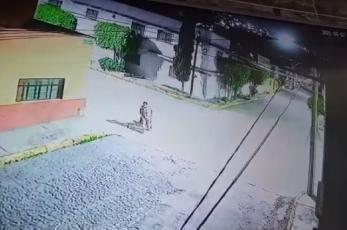 Mata a su inquilino porque no le pagó la renta y lo lleva en diablito al baldío, en Tlalnepantla