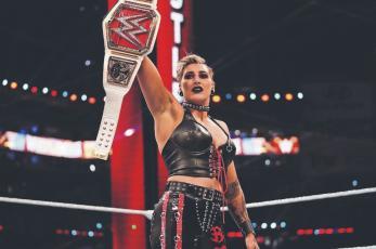 Rhea Ripley defenderá el campeonato femenil de Raw, ante Charlotte Flair