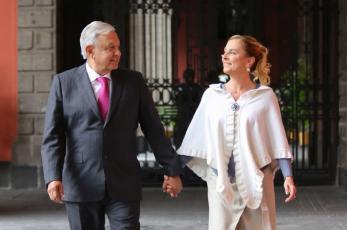 """""""Somos 'Los maléficos', para servirles"""", la declaración de Beatriz Gutiérrez Müller tras polémica de Pegasus"""