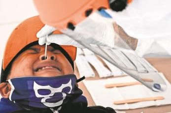 Tras aumento de contagios por Covid, incrementan aplicación de pruebas en Edomex