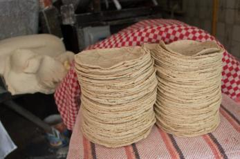 Kilo de tortilla se dispara con nuevo récord en más de 9 años, llega a costar 27 pesos