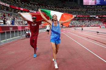 ¡Histórico! Dos atletas comparten medalla de oro en Tokio 2020