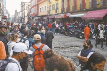 Presuntos acarreados en consulta popular no pudieron votar en Tepito, les pagaron 300