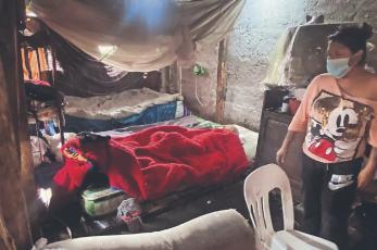Tras cirugía, abuelito atropellado es ignorado por aseguradora en Morelos