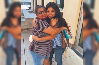 Madre se reencuentra con su hija en EU tras 14 años de haber sido secuestrada por su papá