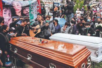 Jorge le canta un hasta siempre a su esposa y niños, fallecidos en el Cerro del Chiquihuite