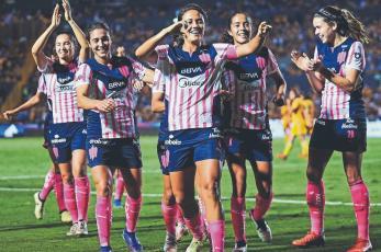 Futbolistas denuncian racismo y mala onda arbitral en Liga MX Femenil