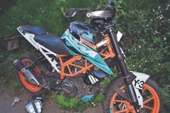 Abuelita que intentaba cruzar avenida en Edomex muere al ser atropellada por motociclista