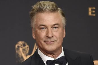 Famoso y reconocido actor dispara en set de grabación y mata a mujer, ¿quién es Alec Baldwin?